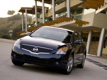 Седан Nissan Altima – североамериканская Teana